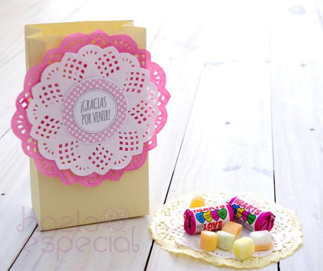 Como hacer una bolsa de regalo con papel periodico